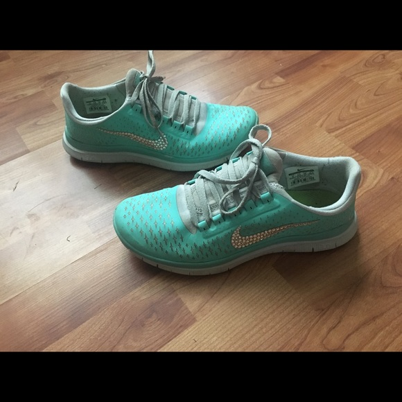 685a3de98f00 Tiffany blue bling Nike
